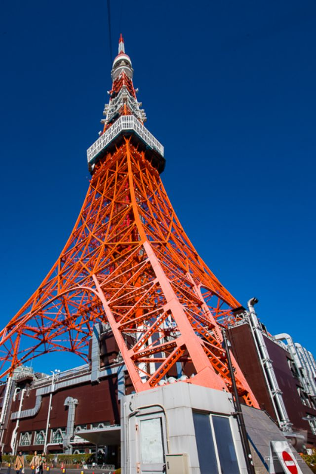 A worms eye view of the Tokyo Tower.